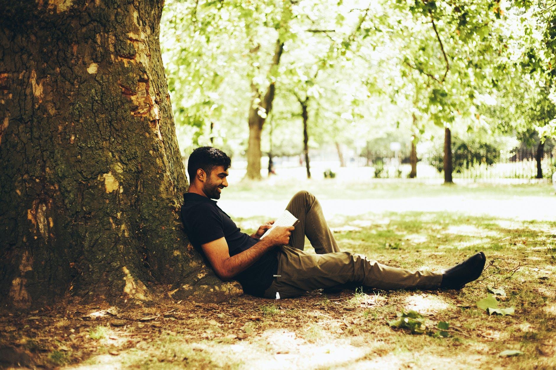 Koop een boek, plant een boom!